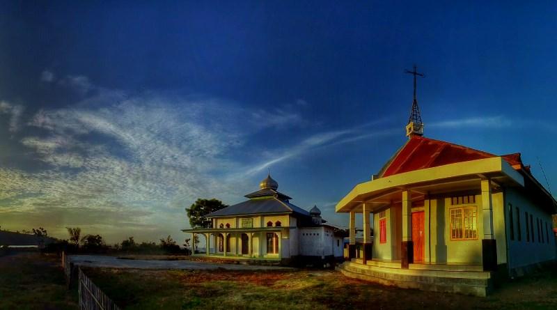 Masjid dan Gereja di Teluk Buyat