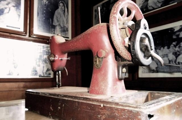 mesin jahit ibu fatmawati
