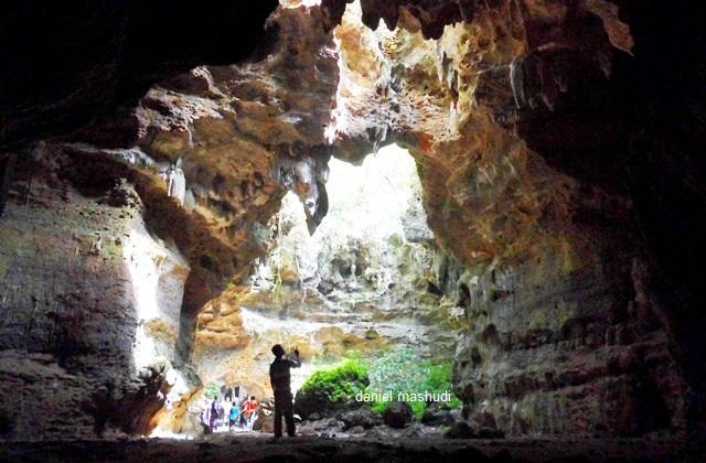 Goa Terawang di Blora