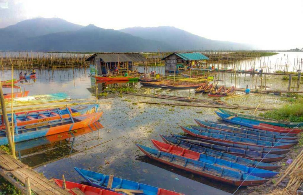 Perahu-perahu di Rawa Pening